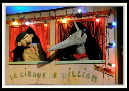 will maes,spectacle,marionnettes,jeune public,enfant,ombres chinoises,theatre,clown,arts du cirque,peur du loup,le loup qui est devenu clown