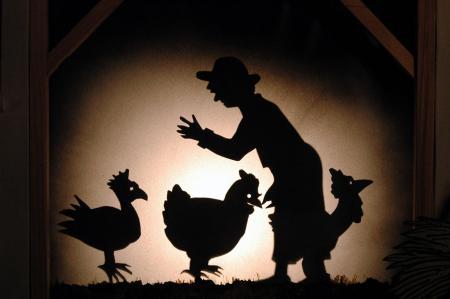 ferme-encorcelée-will-maes-spectacle-enfants-jeune-public-marionnettes-theatre-d-ombres-sorciere-animaux-de-la-ferme